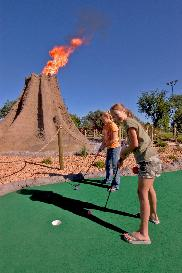 Mini_Golf_with_volcano[1]_thumb.JPG